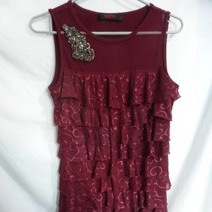 109F size small, layered dress with brooch BNWOT